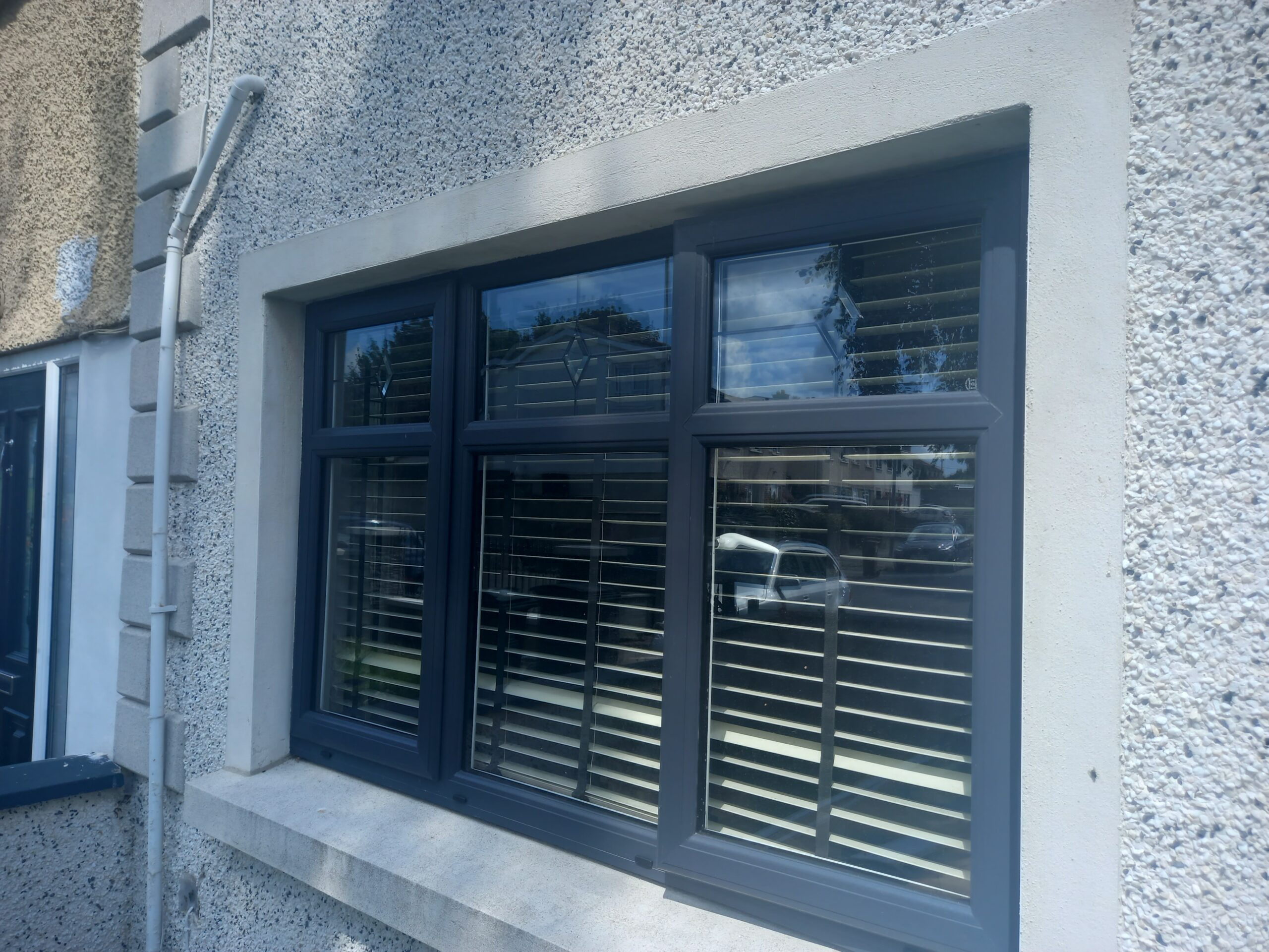 Windows in the colour Anthracite Grey